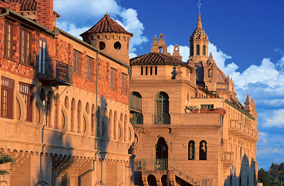 Riverside Things To Do - Mission Inn